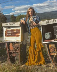 Trendy Fashion Photo Shoot Ideas - Nfr outfits for vegas - 70s Outfits, Cowgirl Outfits, Hippie Outfits, Cute Outfits, Fashion Outfits, Vegas Outfits, Woman Outfits, Party Outfits, Stylish Outfits