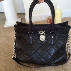 Michael Kors Large Hamilton Used large Hamilton with quilted detail. Michael Kors Bags
