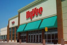 "#5: Hy-Vee: This Midwestern chain was surveyed for the first time this year. Although it came in just shy of the 7-point threshold of a Good rating, its 6.63 score is ""an impressive performance for a first-time assessment,"" according to the report. Hy-Vee's Responsible Sourcing Commitment requires that all fresh and frozen seafood be ""responsibly sourced,"" meaning it would fall into the green or yellow category of the Monterey Bay Aquarium Seafood Watch list. (Photo: Darrell L James/Flicker)"