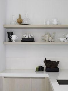 Piet Boon Styling by Karin Meyn Classic Kitchen, New Kitchen, Kitchen Decor, Pantry Inspiration, Interior Inspiration, Interior Design Advice, Interior Design Kitchen, Country Look, Scandinavian Kitchen