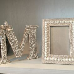 Arts And Crafts Storage, Diy Crafts For Home Decor, Painting Wooden Letters, Diy Letters, Creation Deco, Paper Flowers Diy, Diy Frame, Diy Wall Art, Handmade Decorations