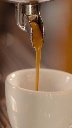Coffee Is Life, Coffee Love, Coffee Shop, Barista, Coffee Deserts, Espresso, Coffee Fonts, Arabica, People