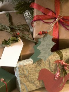 awesome way to decorate brown paper wrapping (plus maps)!