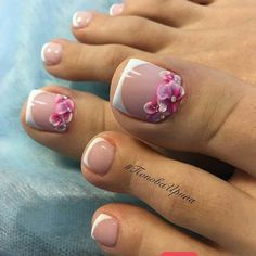 pretty pedicure nail art design ideas | toe nail art for summer | wedding toe nail art