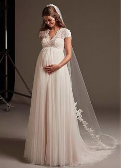 Wedding Gown For Pregnant Bride Garden - how to find the perfect wedding dress for you and your baby Dresses For Pregnant Women, Pregnant Wedding Dress, Maternity Dresses, Bridal Dresses, Country Style Wedding Dresses, Cheap Gowns, Wedding Dress Patterns, Perfect Wedding Dress, The Dress