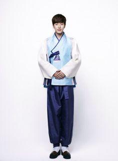 "[SW포토] 박해진, 9등신 한복 자태 ""행복한 설 보내세요"" Park Hae-jin. Korean traditional clothe, han-bok"