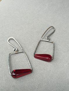 garnet red earrings vintage glass earrings oxidized silver