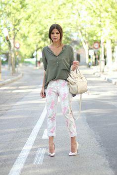 trendy_taste-look-outfit-street_style-ootd-blog-blogger-moda- Zara olive blouse