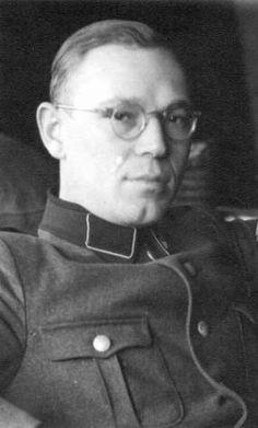 Theodor Vogt, SS Untersturmführer uit Düsseldorf, in de periode september 1944-april 1945 lid van de SD und Sipo Leeuwarden. (tresoar.nl)