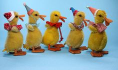 Ducky! Love this Duck Parade photographed by Mousebears. Such fun and Games with Playful Birdie characters! Via Flickr Vintage Easter, Vintage Holiday, Antique Toys, Vintage Toys, Doll Toys, Pet Toys, Easter Crafts, Easter Decor, Bird Theme