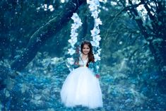 Flower Swing Wedding Dresses, Flowers, Fashion, Bride Dresses, Moda, Bridal Wedding Dresses, Fashion Styles, Weeding Dresses, Weding Dresses