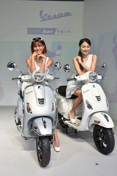 Hottests , Cars Shows, Tuning. Vespa Motor Scooters, Vespa Bike, Motos Vespa, Piaggio Vespa, Lambretta Scooter, Scooter Motorcycle, Scooter Wheels, Scooter Girl, Lady Biker