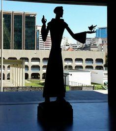 Escultura de São Francisco de Assis, na Catedral Metropolitana de São Sebastião do Rio de Janeiro.  #SãoFranciscodeAssis #CatedralMetropolitana #RiodeJaneiro #SaoFranciscodeAssis #SãoFrancisco #SaoFrancisco