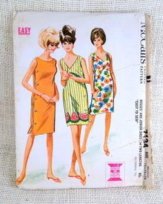 Retro Beach Dress McCall's 7134 Sewing Pattern Size Medium Bathing Suit Cover-up Caftan Robe Wrap Dress from Adele Bee Ann Sewing Patterns. Retro Pattern, Vintage Sewing Patterns, Clothing Patterns, Dress Patterns, Mccalls Patterns, Robes Vintage, Vintage Outfits, Vintage Clothing, 1960s Fashion