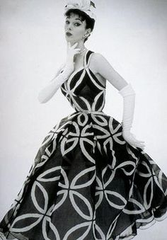 Evening Dress, House of Worth  1957  Manchester Art Gallery