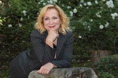 """Si è spenta, dopo una lunga malattia, Monica Scattini, attrice toscana   protagonista di numerosi film e serie televisive. Aveva lavorato con   Ettore Scola (""""La Famiglia""""), con Mario Monicelli (""""Un'altra vita""""), in   """"Tolgo in disturbo"""", di Stefania Casini e Francesca Marciano, che le   valse il Nastro d'Argento come migliore attrice nel 1983. Vince anche il   David di Donatello nel 1994, come migliore attrice non  protagonista   per il film di Simona Izzo, """"Maniaci sentimentali"""". Aveva 59…"""