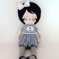 Nellie 18 cloth doll rag doll customizable gray por piggyhatespanda