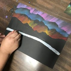 art projects Elements of the Art Room: grade Aurora Borealis landscapes how to tutorial art lesson Winter Art Projects, Kids Art Projects, Camping Art, Watercolor Art, Winter Art Lesson, Art Pictures Ideas, Aurora Borealis Art, Landscape Art