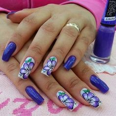 Purple and white with purple flowers Stylish Nails, Trendy Nails, Floral Nail Art, Gel Nail Designs, Great Nails, Purple Nails, Flower Nails, Creative Nails, Gorgeous Nails