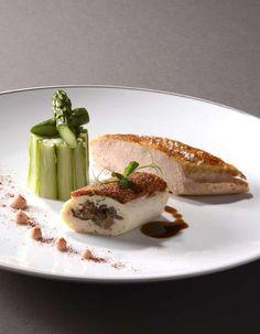 Laissez vous surprendre par la fine cuisine de Pascal Bastien au Cheval Blanc de Lembach ..