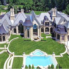 French Inspired Estate Saddle River, New Jersey Luxury Boat, Mega Mansions, Luxury Mansions, Villa, Luxury Homes Dream Houses, Bohemian Style Bedrooms, Dream House Exterior, Big Houses, House Goals