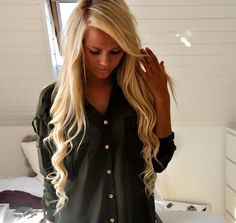 Her hair is perfect! Dream length