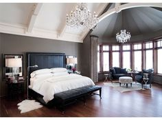 Sweet dreams will be a sure thing in this gorgeous bedroom:)