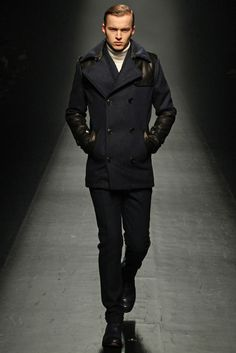 1 Piu 1 Uguale 3 Fall 2013 Ready-to-Wear Collection Photos - Vogue