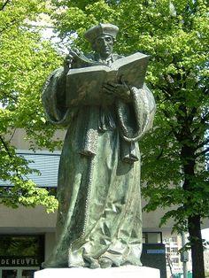 Rotterdam: Statue of Desiderus Erasmus