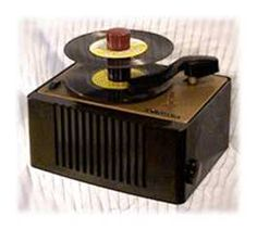 RCA Victor 45 RPM record player ~ Google Image Result for http://home.provide.net/~djcarlst/RCA_45.jpg