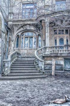 Braila, Romania (by Radu Arama) Old house, beautiful architecture. Sadly it looks deserted. Old Mansions, Abandoned Mansions, Abandoned Houses, Abandoned Places, Old Houses, Gothic Mansion, Beautiful World, House Beautiful, Romania Travel
