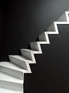Professionals in staircase design, construction and stairs installation. In addition EeStairs offers design services on stairs and balustrades. Interior Staircase, Staircase Design, Staircase Ideas, Escalier Design, Concrete Stairs, Wood Stairs, Basement Stairs, Beautiful Stairs, Beton Design