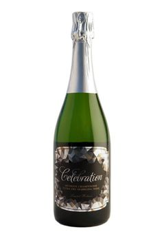 This Biltmore Wine limited release sparkling wine is our bubbly tribute to the season's most festive celebrations! Handcrafted in the traditional méthode champenoise, our winemakers created a versatile style perfect for any occasion.