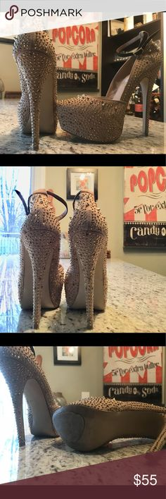 Gorgeous Steve Madden stilettos size US7.5 Gorgeous sparkling stilettos. Worn only two times. Comfortable and super glam. Steve Madden Shoes Heels