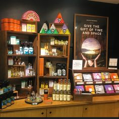 Don't forget to treat Mum next Sunday to a memorable Lush treat. Whether it's one of our Fresh Handmade Treatments from the Lush Spa or a few of our ever popular Gorilla Perfumes. Come see us, we've got it all wrapped up ;) #lushmothersday #lushmothersday2016 #mothersday @gorillaperfumes  #spa #lushspa #handmade #lushportsmouth2016 #lushtime #lushuk #instalush #lushaddict #crueltyfree  #bblogger #portsmouth #southsea #handmade #vegetarian #vegan @lushltd #lushspring2016