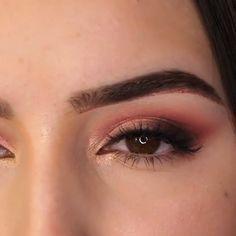 Augen Make-up Tutorial 2019 Makeup - makeup products - makeup tutorial - makeup tips - Source makeup Eye Makeup Tips, Makeup Goals, Makeup Hacks, Skin Makeup, Makeup Inspo, Peach Eye Makeup, Makeup List, Flawless Makeup, Makeup Geek