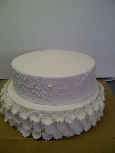 Flowers and lace - A beautiful wedding cake by Belle's Patisserie.