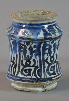 pharmacy jar, 15th century Valencia Inventario: FC.2014.02.28
