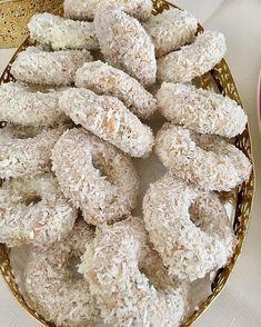 Starbucks Recipes, Sweet Cookies, Brownie Cookies, Turkish Recipes, Donuts, Tart, Waffles, Biscuits, Food And Drink
