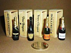Hand Made miniature by Victoria Kova beautiful, Champagne Bollinger,Dom Perignon, Moet & Chandon ! Miniature Bottles, Miniature Crafts, Miniature Food, Miniature Dolls, Miniature Furniture, Dollhouse Furniture, Moët Chandon, Vitrine Miniature, Mini Craft