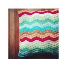 Almofada de crochê zig zag com design contemporâneo!
