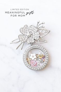Origami owl rose gold locket gifts Ideas for 2019 Origami Owl Keychain, Origami Owl Bracelet, Origami Owl Lockets, Origami Owl Jewelry, Heart Origami, Rose Gold Locket, Useful Origami, Personalized Charms, Custom Jewelry