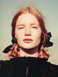 "♀ Orange hair Woman portrait face with Freckles Zanna Van Vorstenbosch in ""On a Throne in the Sky"" photographed by Ellen von Unwerth for Lula F/W 2012 Ellen Von Unwerth, Foto Portrait, Portrait Photography, Fotografie Portraits, Hair Arrange, Braut Make-up, Ginger Hair, Belle Photo, Freckles"