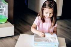 56 activități zilnice pentru copii cu vârsta 2-3 ani - Planeta Mami | Natalia Madan Parenting, Childcare, Natural Parenting