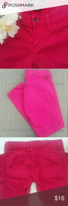 Lucky Brand Charlie Capri sz 2 / 26. This is a great Charlie Capri from Lucky Brand in size 2 / 26. They are a very skinny fit and such a beautiful bright pink color. They have been loved, so there is a slight bit of fading at the seams. Not enough to show up in the pictures, though. Otherwise, great condition! Lucky Brand Pants Capris