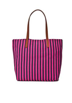 Make a splash on your next beach trip with this charming striped bag.