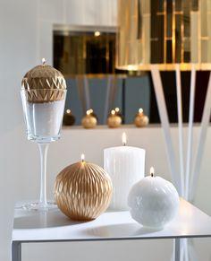 Bougies la Française - Bougies cylindriques papier plié blanc et or, fabriquées à la main.
