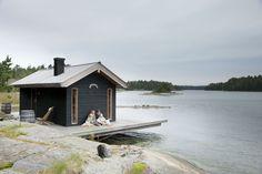 Joanna Maury-Ahola's summerhouse. Photo: Kristiina Hemminki, story Jonna Kivilahti, for Glorian Koti magazine (May 2012). Via Mrs Jones.
