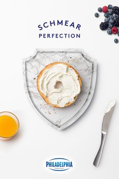 Award your breakfast with cream cheese made with only the freshest milk and cream. Donut Recipes, Dessert Recipes, Cooking Recipes, Desserts, Easy Healthy Breakfast, Healthy Snacks, Cream Cheese Spreads, Good Food, Yummy Food