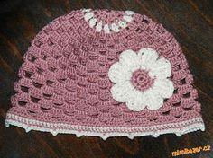 Stále víc se vás ptá, jak na tuto děrovanou čepku, aby ten vršek vypadal co nejlépe. <br><br>Tady má... Crochet Girls, Crochet Hats, Baby Hats, Crochet Patterns, Girls Dresses, Fashion, Crochet Cap, Crochet Beret, Gloves